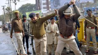 india Police beating up protesters in Bihar state