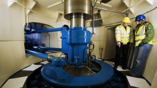 Hydro power turbine