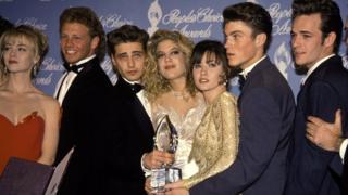 Основные актеры сериала Beverly Hills, 90210 вместе