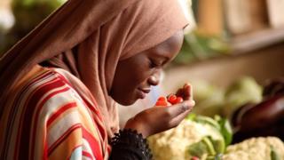 Une alimentation saine et équilibrée peut aider à réduire les maladies non transmissibles et les maladies cardiaques.