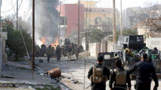 Musul'da IŞİD'le çatışan Irak ordusu