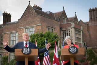 Trump y May ofrecen una conferencia de prensa