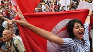 Rouijel proposait aux Tunisiennes connectées de se faire accompagner lors de leurs sorties par des hommes afin d'éviter toutes formes d'harcèlement de rue et les agressions (image d'illustration).