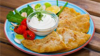Potato-scones-served-with-vegetables