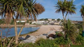Porthcressa Beach