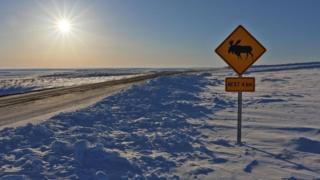因紐維克-圖克托亞圖克公路的開通,改變了這片冰原上的一切