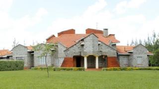 Guriga mr Ruto oo ku yaalla meel u dhaw magaalada Eldoret
