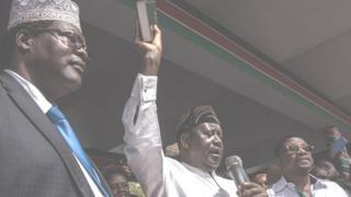 Raila Odinga akila kiapo cha kuwa rais wa wananchi wa Kenya