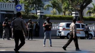 مقر پلیس در سوربایا که مورد حمله قرار گرفته است