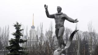 Памятник Юрию Гагарину в Люберцах