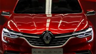 Renault Arkana in showroom