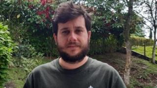 ميغيل فاهاردو المزارع الكولومبي المهدد بالإفلاس