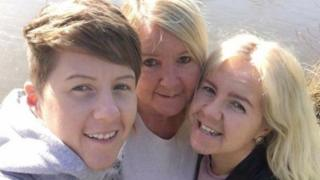 Cassie Hayes (left) with mother Tracy Hayes (centre) and sister Nadine Hayes (right)