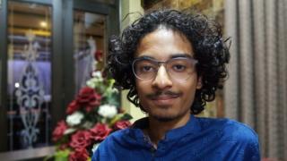 Shaheer Niazi waa 17 jir u dhashay Pakistan oo soo saaray cilmi seynis cusub