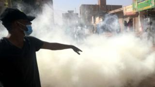 Sudanese police fire tear gas at protesters trying to march on the presidential palace in the capital Khartoum on 24 January 2019.