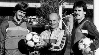 Götz (solda) ve Schlegel (sağda), 1984'te kaçışlarından bir yıl sonra çekilen fotoğraf.