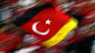 iç içe geçen almaya türkiye bayrağı