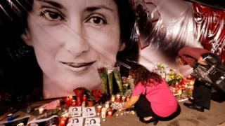 Daphne Caruana Galizia, blog sayfasında yolsuzluklarla ilgili haberler yayınlıyordu