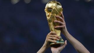 Le trophée de la Coupe du monde de football