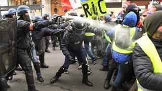 پنجمین هفته اعتراضها در فرانسه