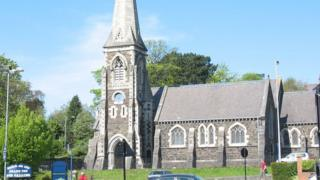 Eglwys Ein Harglwyddes a Sant Iago