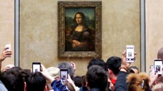 لوحة موناليزا في متحف اللوفر
