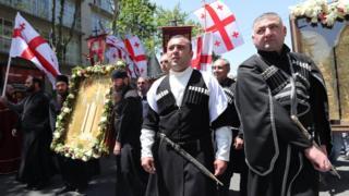 هزاران نفر در تفلیس علیه حقوق همجنسگرایان تظاهرات کردند