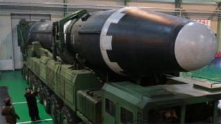 उत्तर कोरिया की लंबी दूरी तक मार करने वाली मिसाइल