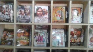 """""""Sadauki"""", """"Martaba"""", """"Akasi"""" et d'autres films du cinéma de langue hausa font le plaisir des cinéphiles nigériens."""