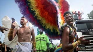 Brezilya'da her yıl kitlesel eşcinsel onur yürüyüşleri düzenleniyor