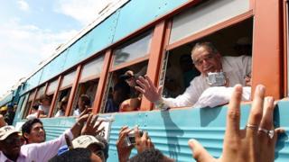 Gabriel García Márquez durante un viaje de regreso a Aracataca.