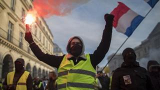 """Протесты """"желтых жилетов"""" во Франции начались в ноябре"""