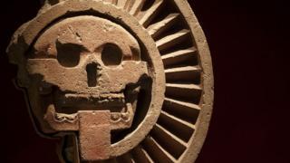 Una escultura en el salón Teotihuacán en el Museo Nacional de Antropología en Ciudad de México.