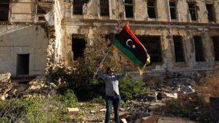 هفت سال و نیم است که لیبی با جنگ داخلی و حکومتهای چندپاره روبهرو است