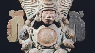 imagem de uma deusa asteca