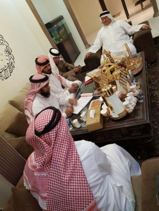 تتسم الزيجات المختلطة في البحرين، بحسب ما يقول بعض المختصين في أمور الزواج، بالسلاسة عادة