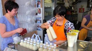 Жінка, молока
