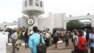 Nigeria university lecturers wey don dey on strike since November 5.