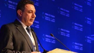 نزار زکا در حالی که به دعوت دولت ایران برای سخنرانی به تهران رفته بود بازداشت شد