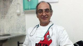 """Luis Daniel Rey dice: """"Cuando no estoy en el hospital atiendo en la casa, donde atiendo a los viejitos del campo""""."""