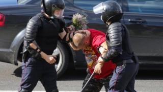 Police detain a man in Minsk, Belarus.  Photo: August 12, 2020