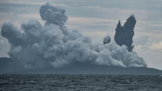 Виверження вулкану Анак Кракатау