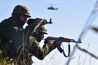 2016 में रूस के साथ संयुक्त युद्धाभ्यास में भारतीय सैनिक