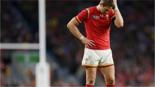 Dan Biggar looks dejected