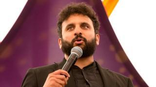 Humorous Nish Kumar booed off stage at charity bash thumbnail
