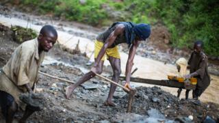 DR Congo natural resources don dey cause fight-fight for di country
