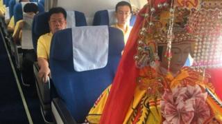 中国・道教の海の神、媽祖がビジネスクラスで旅する様子を撮影した写真はソーシャルメディアで盛んに共有された