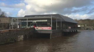 Glan-yr-Afon centre