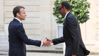 Emmanuel Macron accueille son homologue rwandais Paul Kagame au palais présidentiel français, le 23 mai 2018.