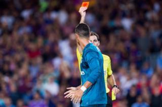 Ronaldo'nun kırmızı kart gördüğü an